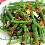 Pan-Roasted Green Beans with Caramelized Onions