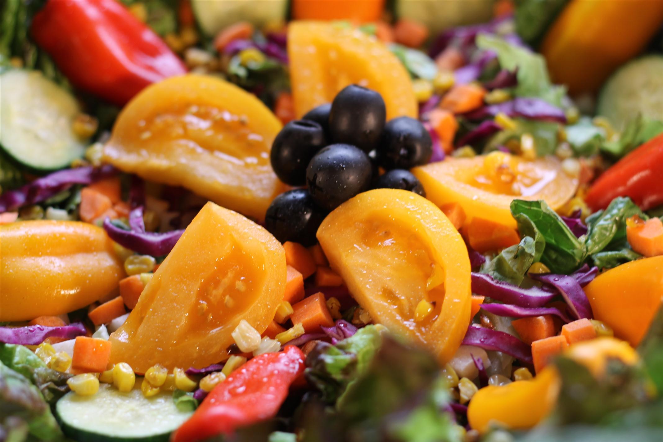 Farmers' Market Salad - Meal Planning Maven